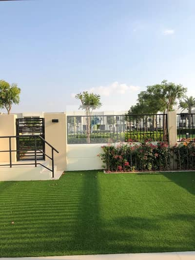 فیلا 4 غرف نوم للبيع في تاون سكوير، دبي - Pay 85 k and Own Corner villa| near to move in ready community.