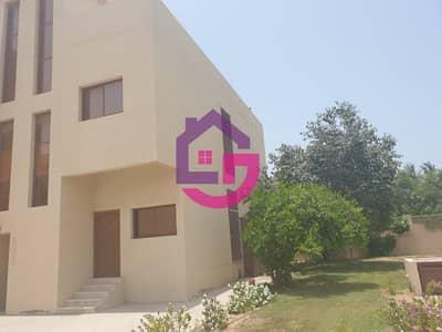 4 Bedroom Townhouse for Rent in Al Mairid, Ras Al Khaimah - BEACH FRONT 4 BED MODERN VILLA IN MAIRID!