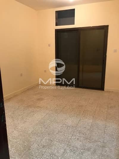 2 Bedroom Flat for Rent in Madinat Zayed, Abu Dhabi -  2 Bedroom Apartment in Nice Building