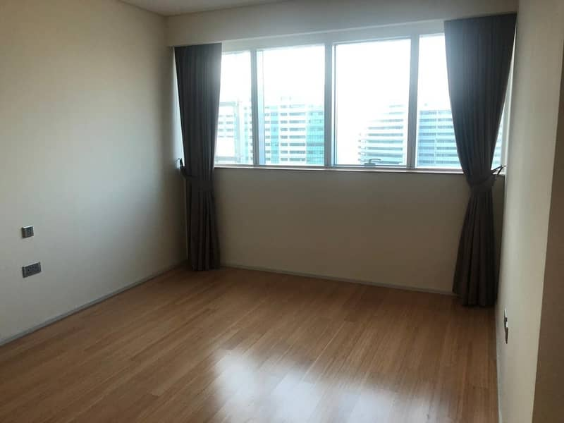 Stunning Unit W/ Affordable Price / Canal View !