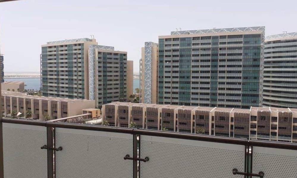 10 Stunning Unit W/ Affordable Price / Canal View !