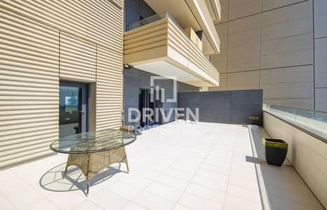 شقة 2 غرفة نوم للبيع في مركز دبي المالي العالمي، دبي - Fully Upgraded 2 Bed Apartment with Terrace