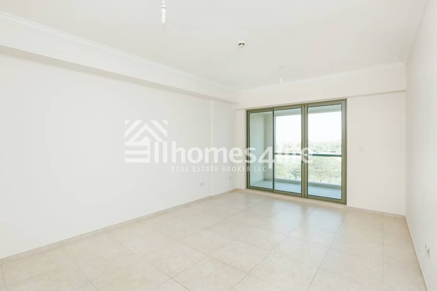 2 No commission | Park and Garden View |Vacant