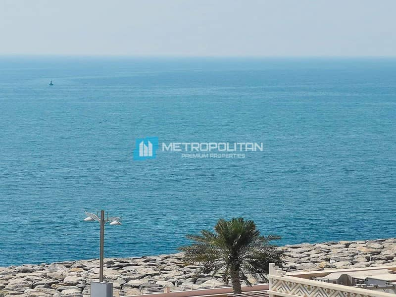 Sea view/Fully furnished/high floor/3 BR w/ study