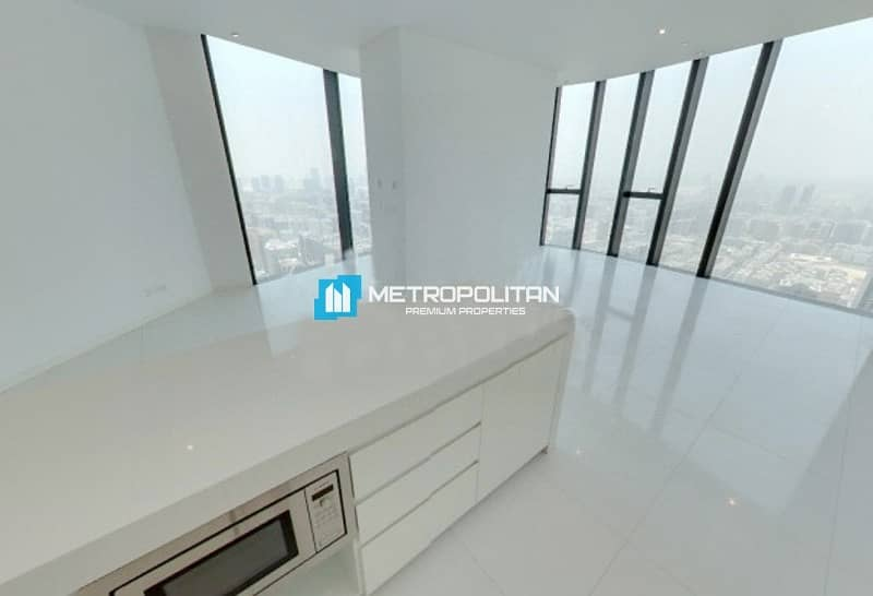 2 No leasing Commission Rent Now in Astonishing Apt!