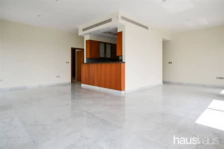 Largest 1 Bed   Walk-in Shower   Great Price