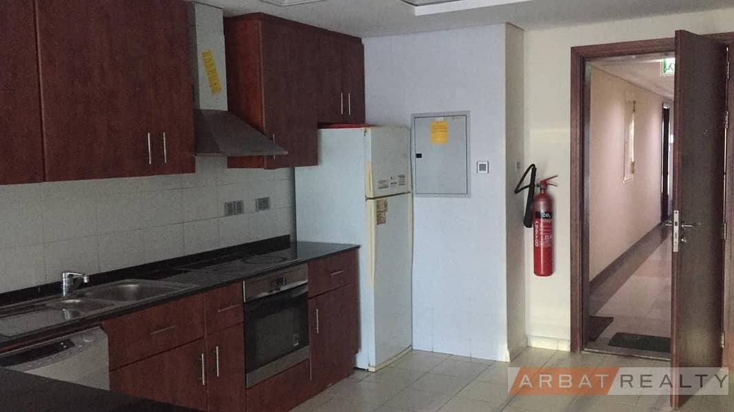 9 LARGE TWO BEDROOM FOR RENT IN LAKE VIEW TOWER FULL LAKE VIEW