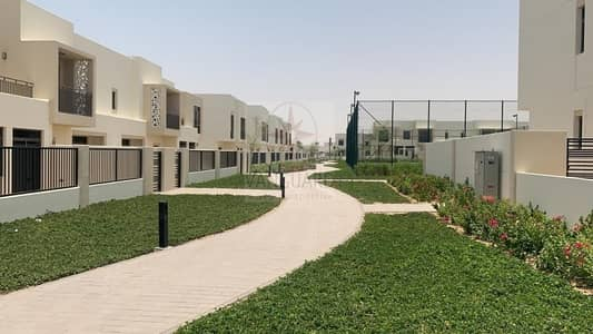 3 Bedroom Villa for Rent in Town Square, Dubai - Type 2! Mid Unit 3 Bedroom + Maid's Room in NSHAMA