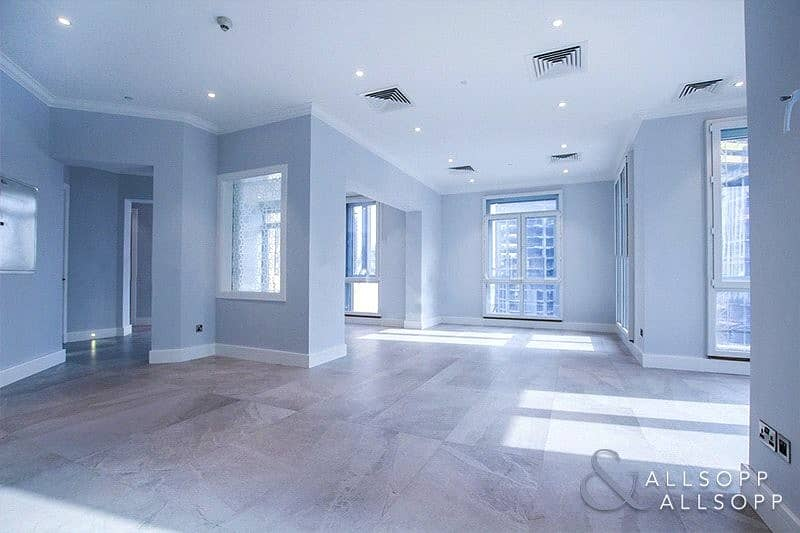 Penthouse | Fully Upgraded | 4 Bed + Maids