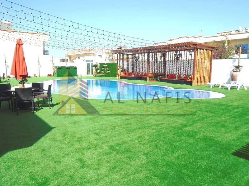 10 Renovated|4br with maids|Full Facilities