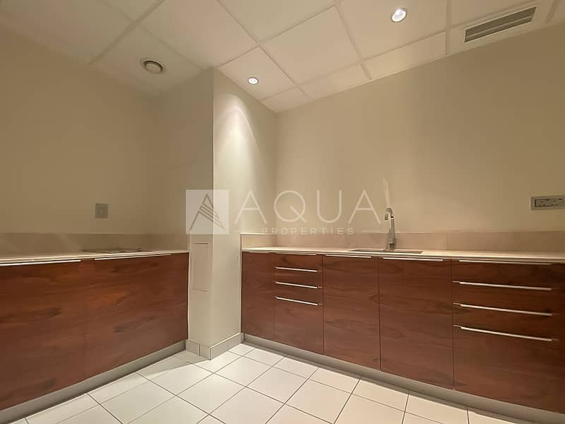 14 Fully Furnished Penthouse | Immaculate Unit