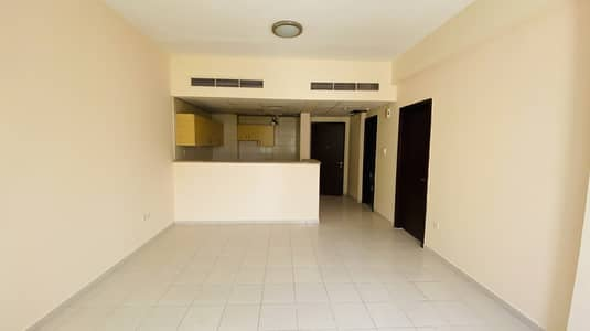 فلیٹ 1 غرفة نوم للايجار في المدينة العالمية، دبي - غرفة نوم واحدة للإيجار في طراز مدينة اليونان الدولي دبي
