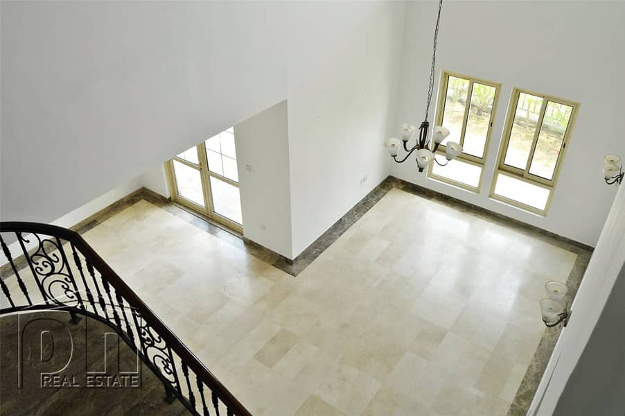 2 Entertainment Foyer | Immaculate | Available Now