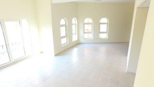 شقة 2 غرفة نوم للايجار في ديسكفري جاردنز، دبي - Only 71k including Chiller - Cheapest 2 Bed on Street 6
