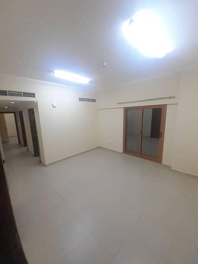 شقة في النهدة 1 غرف 32000 درهم - 4686646