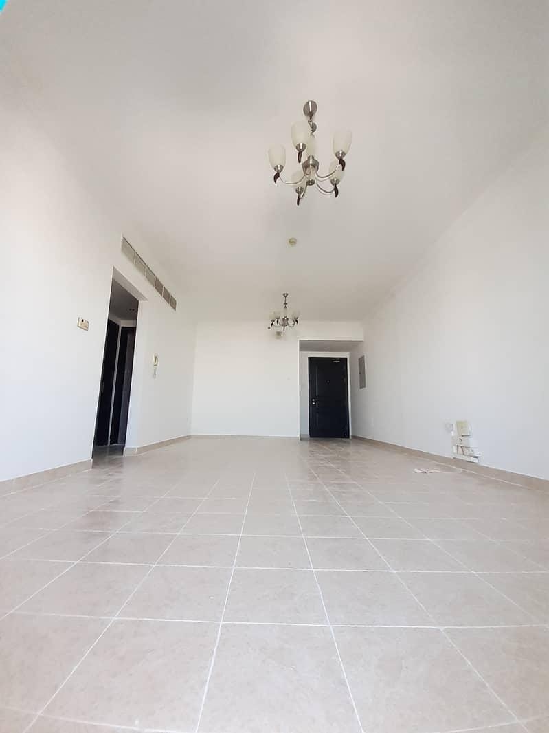 شقة في النهدة 3 غرف 65000 درهم - 4686424
