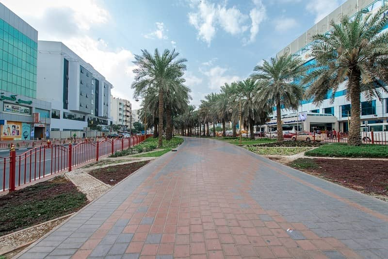19 Incredible 1 B/R Office with Hot Plate and 1 Pantry in Deira