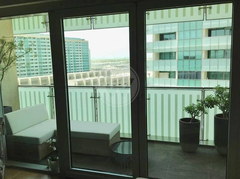 2 Upgraded Corner unit in Maha | Sea and canal views