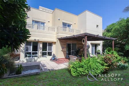 5 Bedroom Villa for Sale in The Meadows, Dubai - Exclusive | Single Row | Fully Upgraded