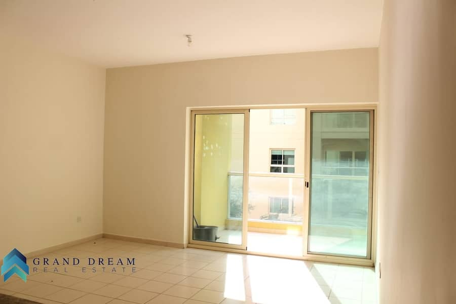 2 Garden View | Well Maintained 1BHK | Rented