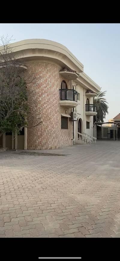 فیلا 7 غرف نوم للبيع في مشيرف، عجمان - حصري للبيع فيلا بنظام القصر من افضل امكان في عجمان مشيرف اكثر من  32،000 قدم مربع على ثلاث شوارع