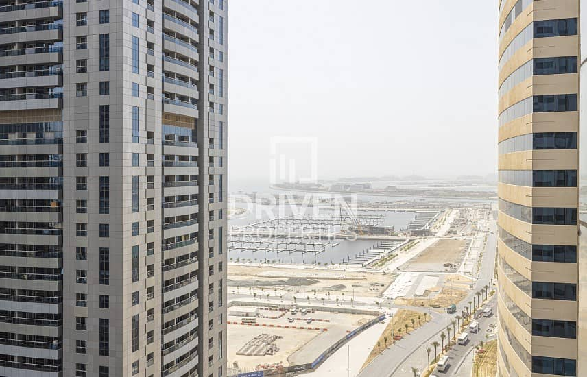 2 Upgraded 1 Bedroom Apartment with Sea view