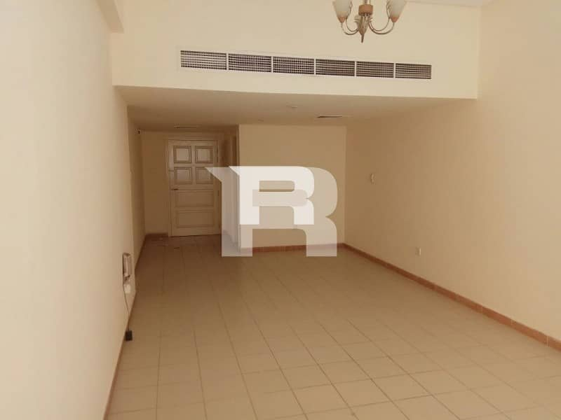2 Raffa Apt w Balcony|Easy access to Metro