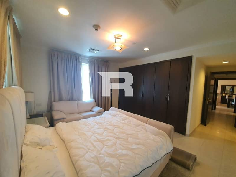 33 Elegantly Furnished and Upgraded to 3Br