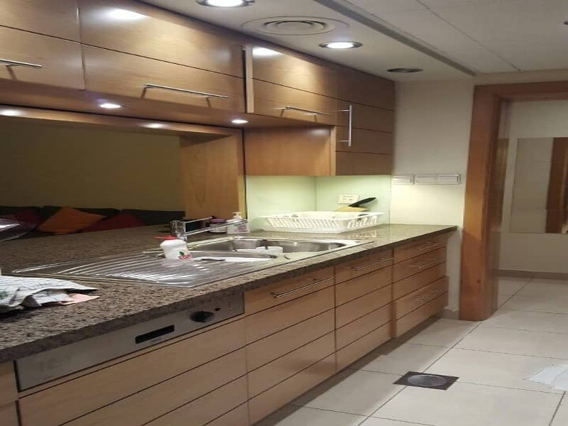 11 Unfurnished | 1 Bed | Fitted Kitchen