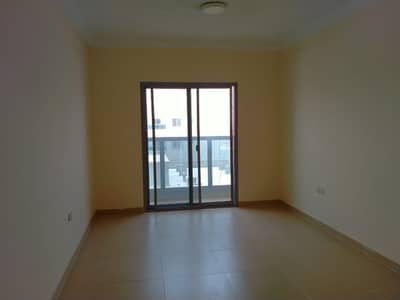 Big 2 bhk with 3bath room, Close Hall and balcony rent 28000
