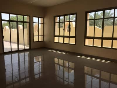 فیلا 4 غرف نوم للايجار في فلج هزاع، العین - فیلا في فلج هزاع 4 غرف 105000 درهم - 4688597