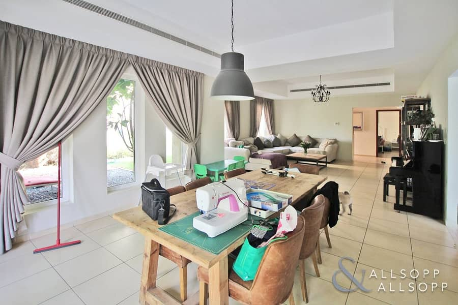 2 5 Bedrooms | Landscaped | Avail Aug 1st