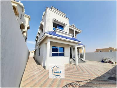 6 Bedroom Villa for Sale in Al Mowaihat, Ajman - 6-room villa on a commercial street for sale at a great price