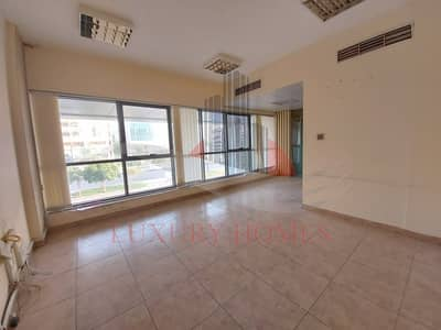 Office for Rent in Al Murabaa, Al Ain - Astonishing Open space Office with great views