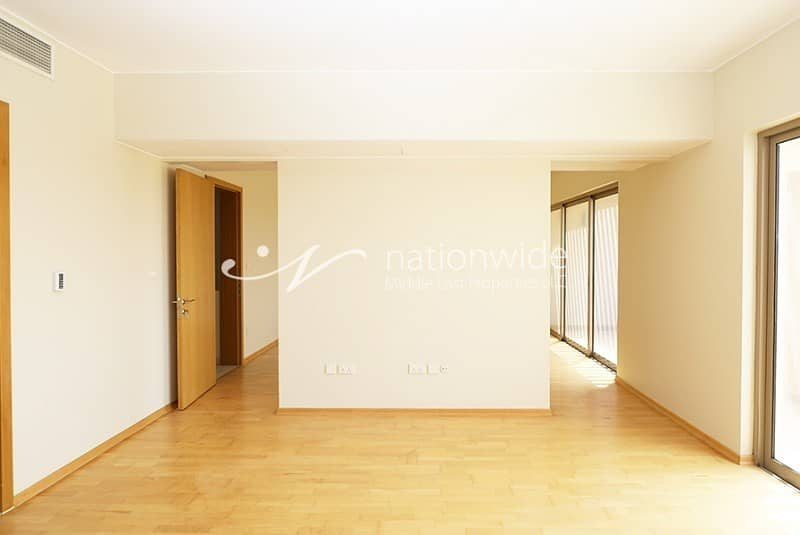 2 Vacant Soon! A Spacious Type S Townhouse