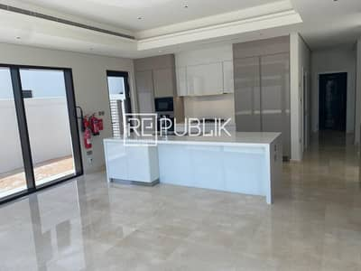 4 Bedroom Villa for Sale in Saadiyat Island, Abu Dhabi - Brand New Luxurious 4 Bed Villa in Quite Area