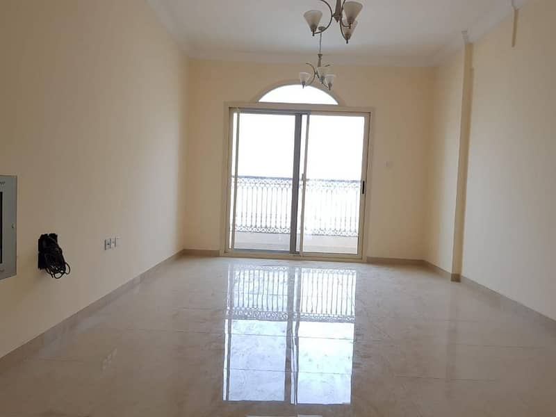 شقة في شارع التعاون الجديد التعاون 1 غرف 28000 درهم - 4690893