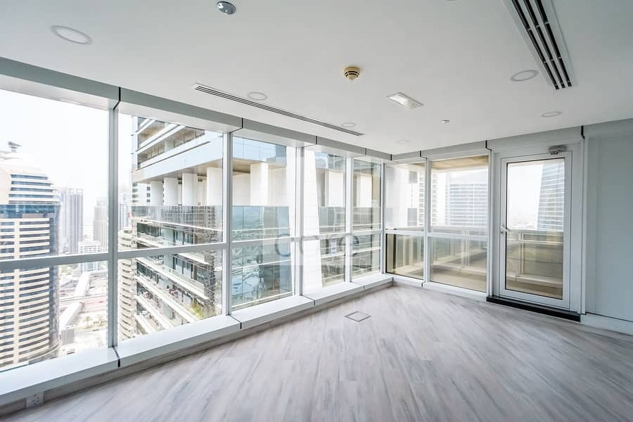 Fitted and Partitioned   High Floor   DMCC