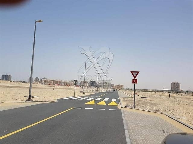 2 Plot for Sale Located along Al Ain Road - Liwan