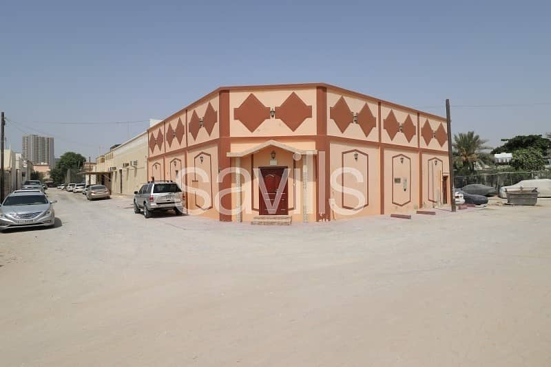 Al Sabkha 4 BED villa with huge hall