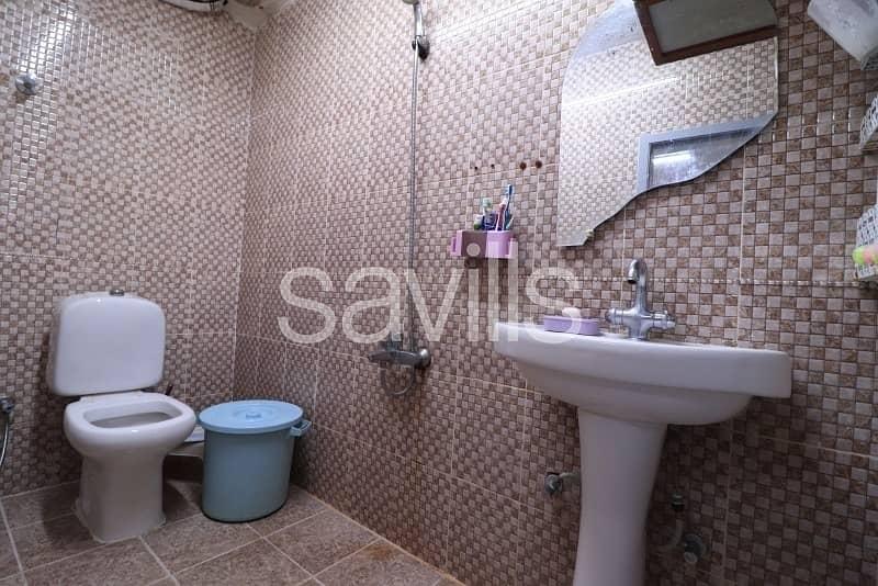 16 Al Sabkha 4 BED villa with huge hall