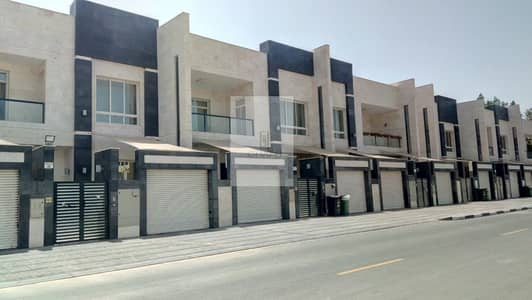 5 Bedroom Villa Compound for Sale in Umm Suqeim, Dubai - 9 Villa Compound for Sale in Al Manara