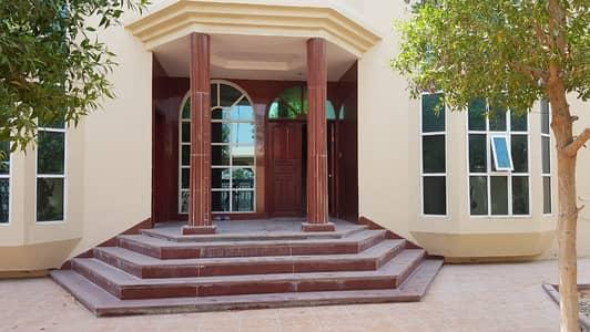 فیلا 5 غرف نوم للايجار في شرقان، الشارقة - فیلا في شرقان 5 غرف 130000 درهم - 4691309