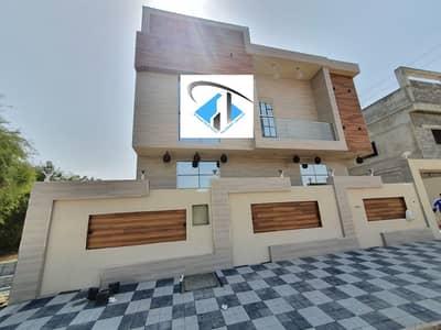 فیلا 5 غرف نوم للبيع في الياسمين، عجمان - للبيع فيلا جديده 3200 قدم بتشطيب وتصميم رائعين قريب مسجد.
