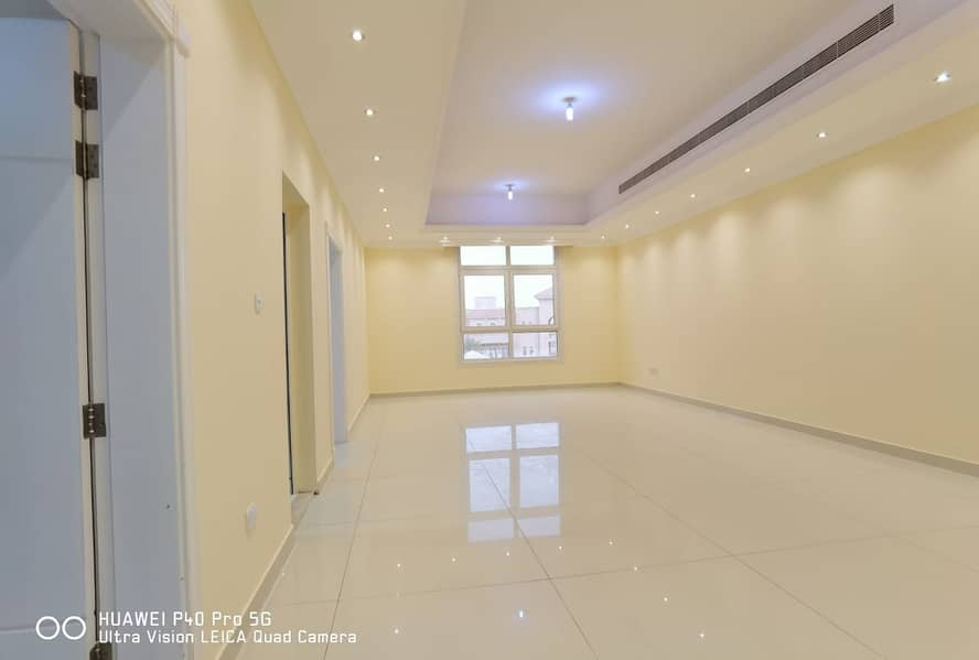 شقة في مدينة محمد بن زايد 3 غرف 90000 درهم - 4691475