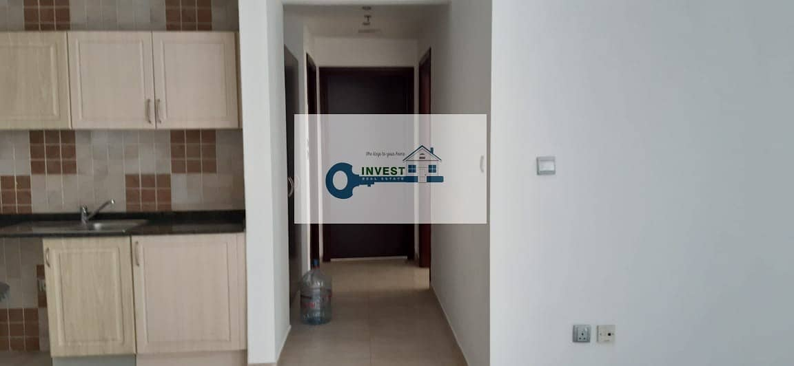 2 2 BEDROOM CHILLER FREE READY TO MOVE IN WITH GOOD PRICE