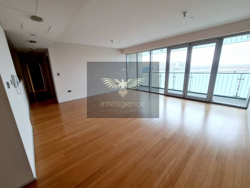 Vacant! Prestigious High End Unit! Ready to Move In!