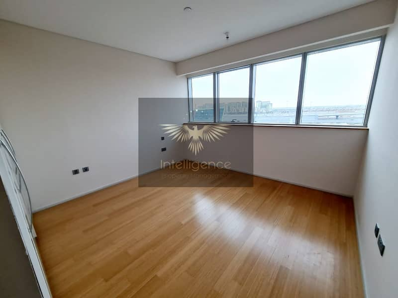 12 Vacant! Prestigious High End Unit! Ready to Move In!
