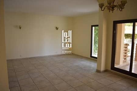 فیلا 4 غرف نوم للايجار في الصفا، دبي - Amazing 4 Bed Villa Large garden| Shared Pool|Gym|Tennis Court