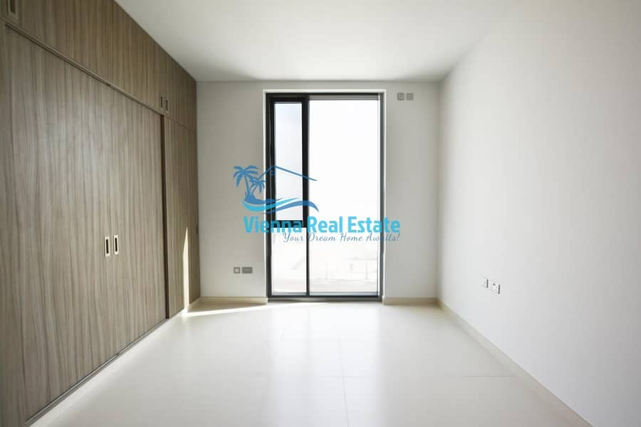10 3 bed (large) corner unit in shams meera for 110k
